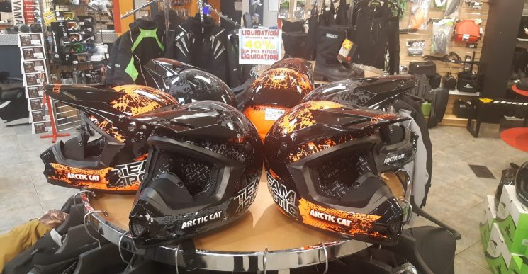 40% Sur les Casques Arctic Cat WOW!!